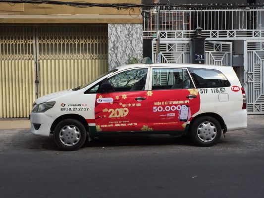 Quảng cáo 4 cánh cửa taxi Vinasun