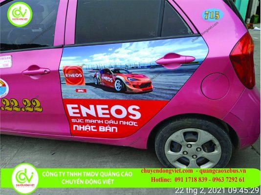 hình ảnh quảng cáo taxi trên xe Hoàng Anh